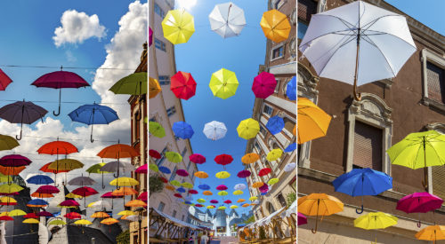 Színes esernyők teszik vidámabbá a nyári makói belvárosi hangulatot